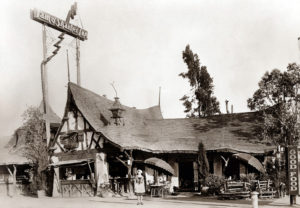 The less common commercial Storybook building. In this case, the Tam O'Shanter restaurant as it looked in the 1920s.